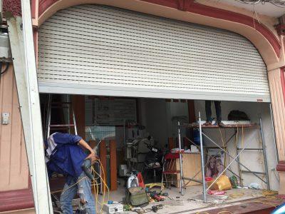 Sửa Cửa Sắt Tại Nhà TPHCM – Nhanh Chóng - Giá Rẻ