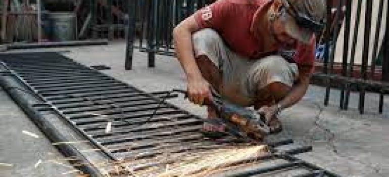 chuyên sửa cửa sắt nhanh, chất lượng