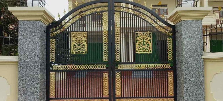 Mẫu cổng nhà đẹp thiết kế đơn giản