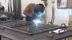 dịch vụ sửa cửa sắt tại nhà tphcm-2