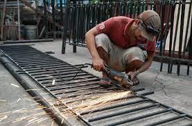 dịch vụ sửa cửa sắt tại nhà tphcm-1