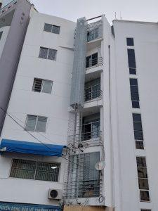 Thi công cầu thang sắt thoát hiểm TP. HCM