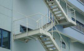Thi công cầu thang sắt thoát hiểm quận 9