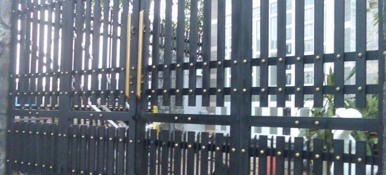 5 lợi ích của sửa cửa sắt tại nhà tp. hcm